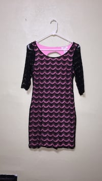 Candies pink and black dress with keyhole back in medium