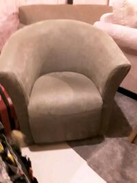 Sage green swivel Tub Chair Tillsonburg, N4G 4C8