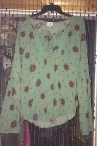 Juniors size XL shirt McDaniel, 21647