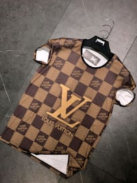 Louis Vuitton tee shirt  Baltimore, 21217