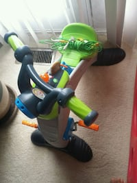 toddler's green and black ride-on toy Stafford, 22554