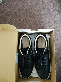 916c89950e91 Used grey-and-blue under armour running shoes for sale in ...