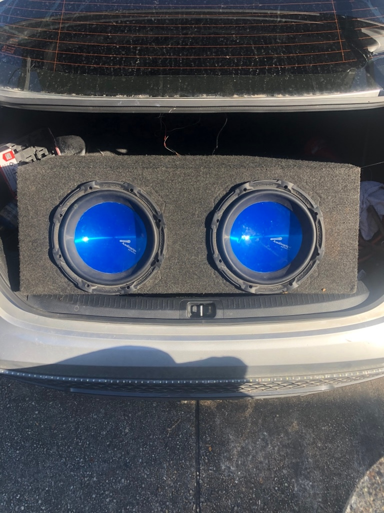 Photo 2 10 inch audiopipe subs in sealed box