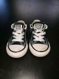 Toddler low-top Converse size 5