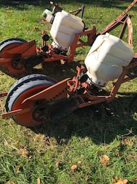 Two row seeder. For tractor. Used. Pick up only. Jackson, 49201