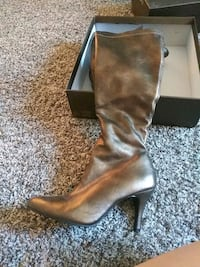 pair of brown leather heeled boots North Las Vegas, 89086