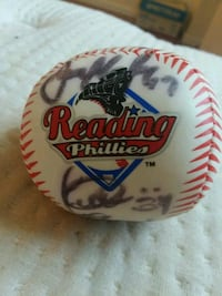02 or 03 Reading Phillies Signed Ball 18 Signature Topton