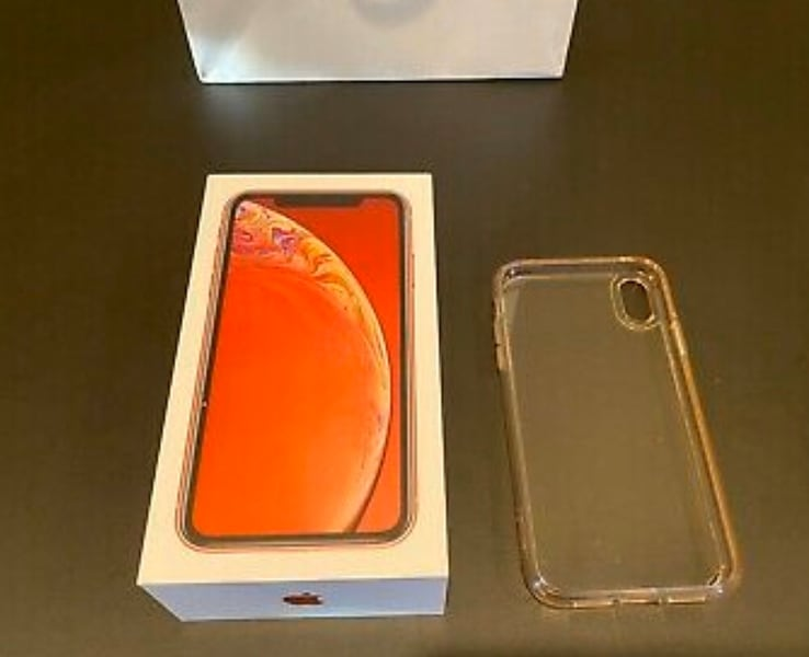 iPhone XR 128 GB unlocked works for any carrier 60ef9aa1-4d2a-4730-806b-9f34952ac5a7
