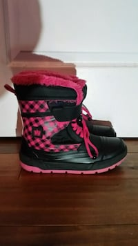 Girls winter boots Mississauga, L5M 4Z6