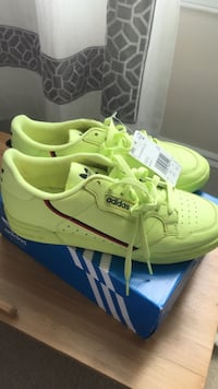 New Adidas Continental 80 Sneakers   Dumfries, 22026