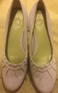 "Go max shoes Size 6M 3"" Heel Color: white Arlington, 22205"