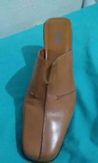 BRAND NEW ..WORE ONCE..NICOLE BRAND..TAN LEATHER  Amarillo