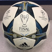 OFFICIAL MATCH BALL. FIFA ARRPOVED. SIZE 5. CHAMPIONS LEAGUE. NUEVA. ORIGINALES. BALON OFICIAL. FIFA APROPADO. TAMANO 5.  Alexandria, 22312