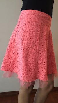 Size XS salmon color skirt Calgary, T1Y 6P7