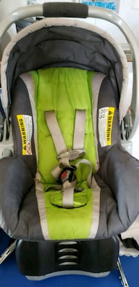 Infant car seat with new base. Good used condition Maquoketa, 52060
