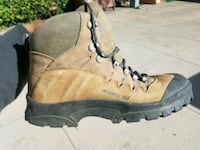 Womens Montrail GTX hiking boots. SIZE 10.