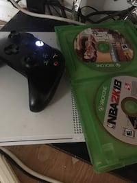 Two xbox one game discs and Xbox Gaithersburg, 20879