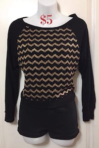 Gold and Black Long Sleeve Top: Size Medium Toronto, M1S 2Y8