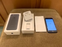 iPhone 7 32GB Unlocked with Original box and accessories Triangle, 22172