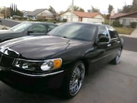 """2001 Lincoln Town Car """"Signature series"""". CLEAN Victorville, 92395"""