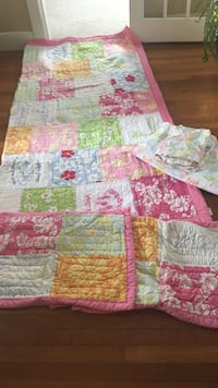 Pottery Barn Teen Queen quilt, 2 Shams, 2 pillow cases, and  queen sheet. No fitted sheet. Warwick, 02888