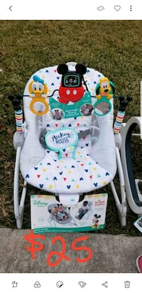 baby's white and green swing chair Houston, 77083