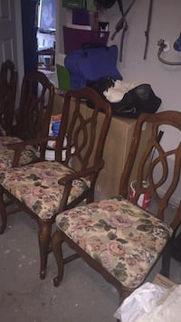 4 Dining chairs $15 each or $50 for 4 783 km
