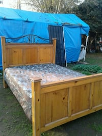 Wooden Queen Size Bed with Mattress and Box Spring Fresno, 93726