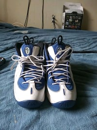 pair of white-and-blue basketball shoes Camp Springs, 20746