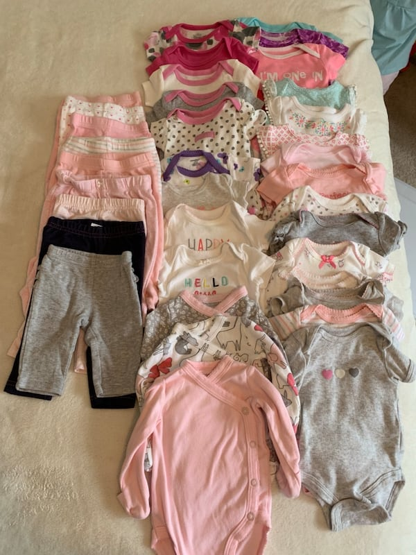 0-3 month girl clothing lot 1da9bc12-3cd8-4dba-87c3-a5cae4af73fd