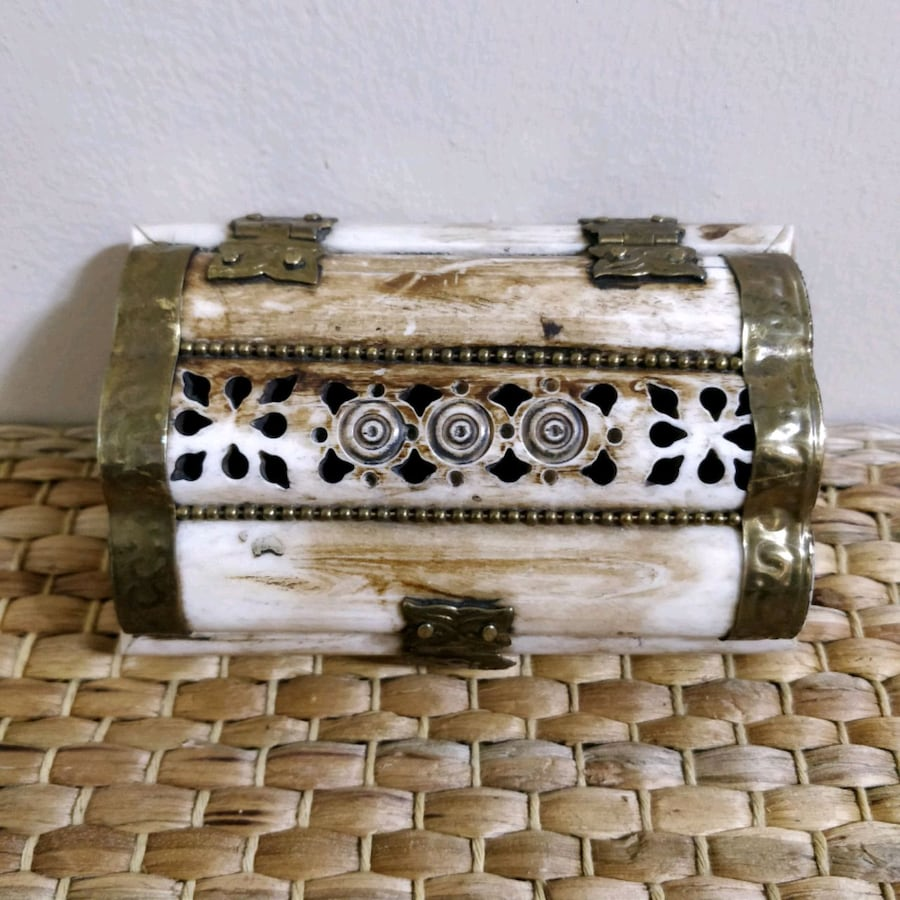 Antique handcarved camel bone trinket box