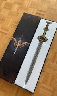 OFFICIAL METAL WONDER WOMAN REPLICA. MADE BY FACTORY ENTERTAINMENT  Toronto, M5P 3H3