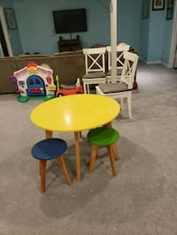 Kids table w 3 matching chairs  Johnsburg