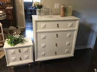 Retro dresser + matching night table. Superb gold knobs/legs. Delivery