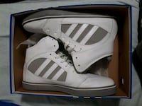 Adidas high-top sneakers with box Toronto, M6C 1P8