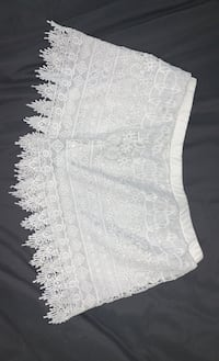 White shorts, Size Large Clifton, 07012