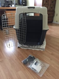 Large Dog Crate Barely Used , V0N