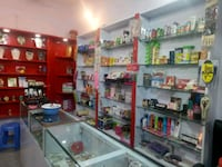 Sale Cosmetic item along with entire setup New Delhi, 110059