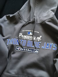 Toronto Blue Jays Majestic Hoodie. Never Worn. Size Medium. Therma Base Cochrane, T4C 1K6