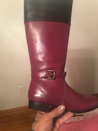 Pair-of red and black leather boot Pittsburgh, 15201