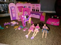 Barbie charm school with Barbies and accessories Fort Wayne, 46805