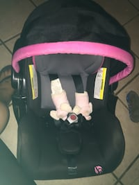 Baby trend infant car seat carrier still in date no wreaks in great condition!! Smoke free n dog free home!!  Gilmer, 75644