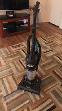 black and gray upright vacuum cleaner Александрия, 22304