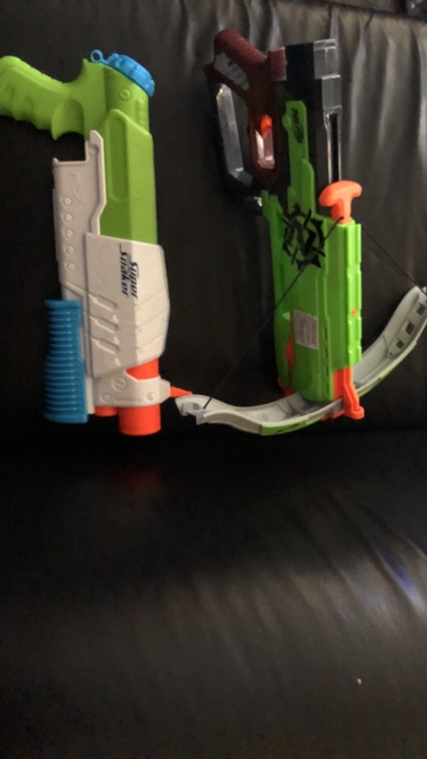 Super soaker and crossbow without nerf pellets