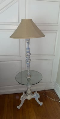 Beautiful ceramic victorian style lamp and end table
