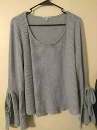 Grey long sleeve shirt size large perfect conditio Melbourne, 32935