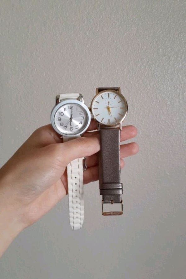 One Size Watches Just Needs Battery  27f5effe-3fa1-48fa-84df-977c7517d152