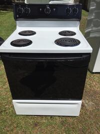STOVE BY:GE WHITE IN GREAT WORKING CONDITION Hampstead
