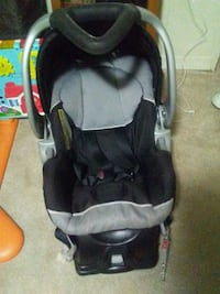baby's black and gray car seat carrier Toronto, M1L 4H5