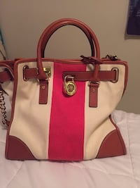 pink and white leather tote bag Deerfield Beach, 33442